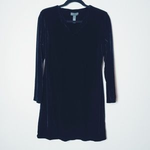 Banana Republic Black Velvet LS Dress. Size Medium